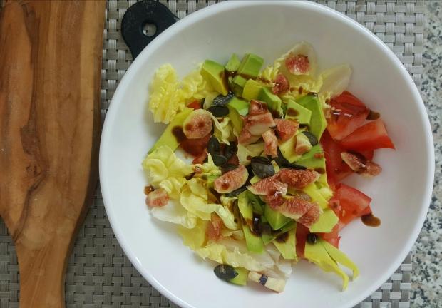Salade minceur figue avocat tomate