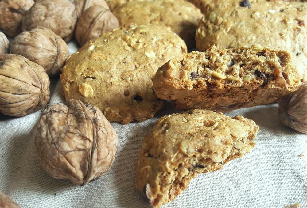 Cookies sans matiere grasse aux noix et chocolat.jpg